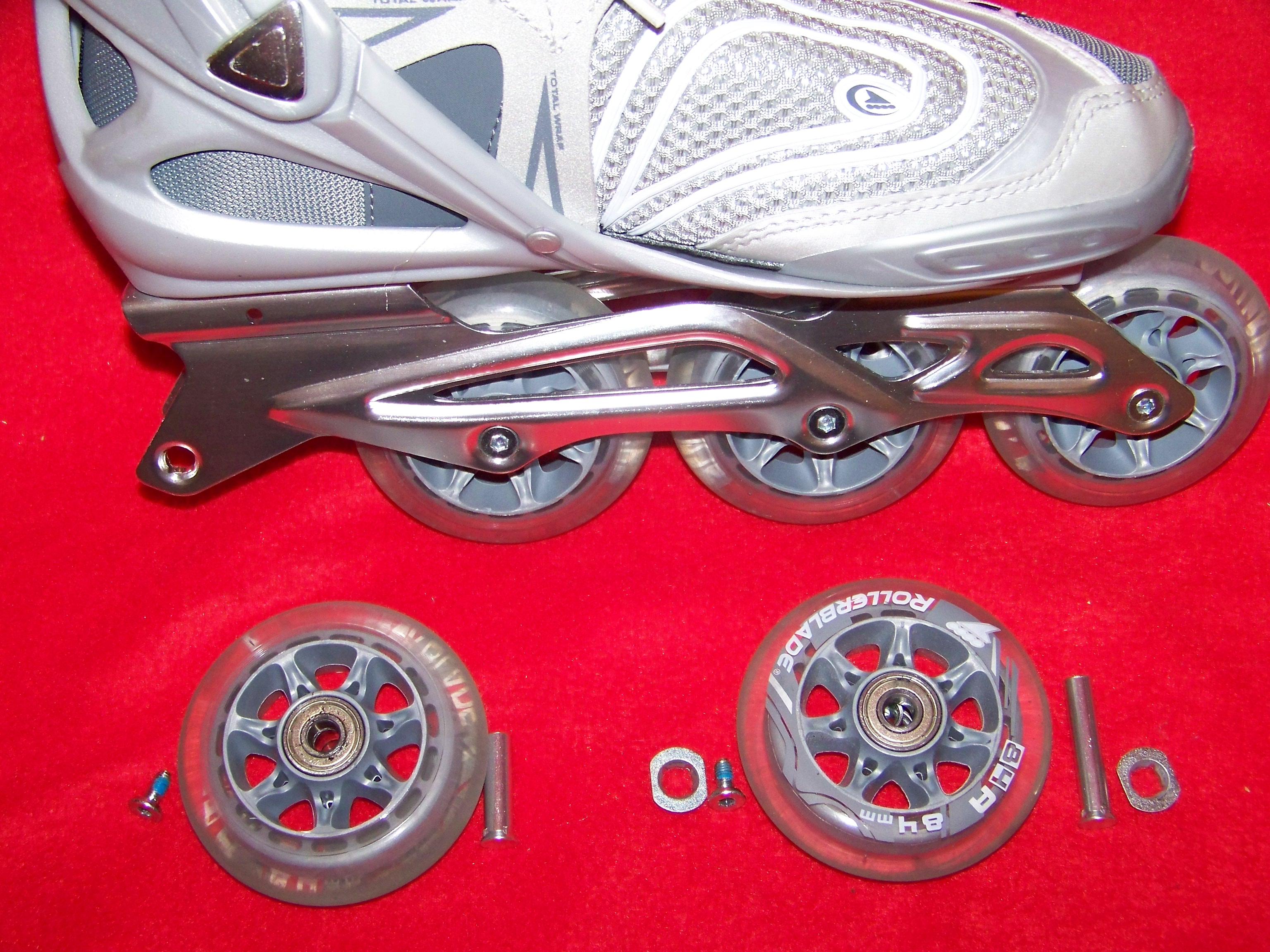 Disassembled wheels showing bolt size difference and washers
